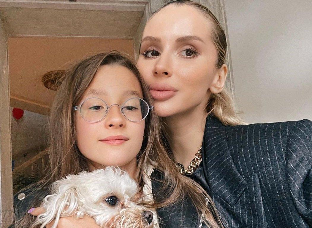 Светлана Лобода впервые показала лицо младшей дочери