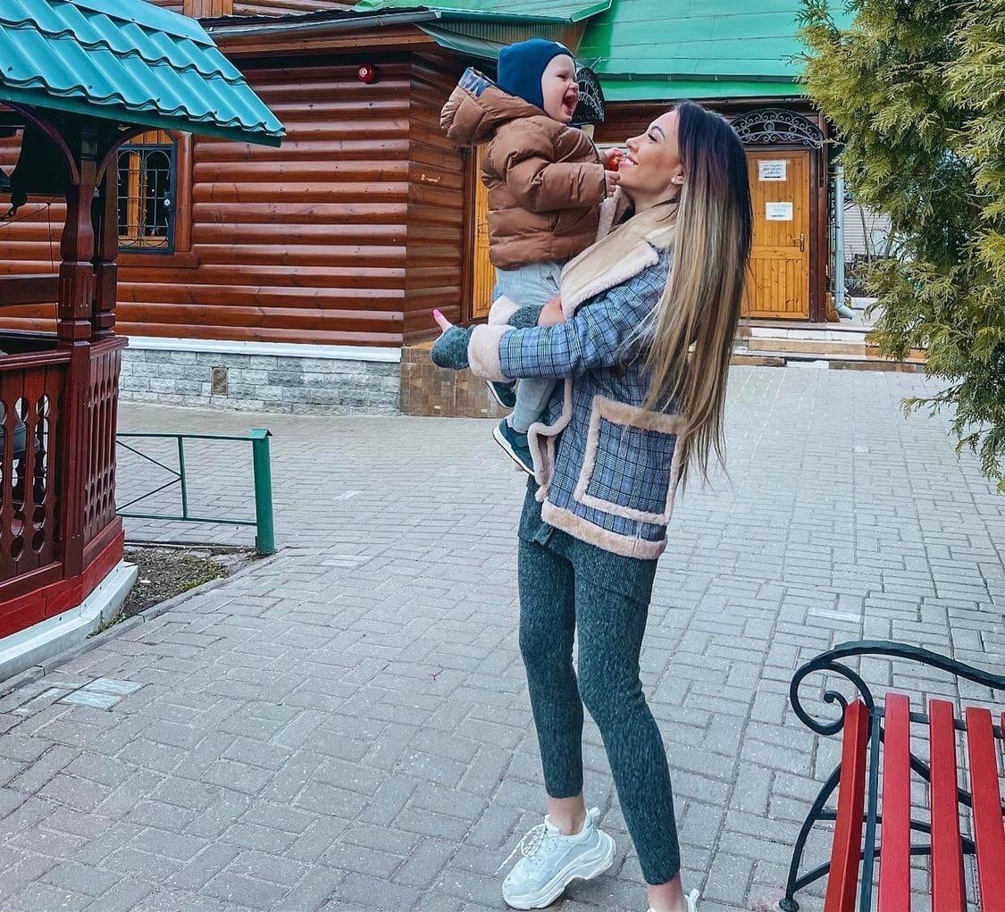 Алена Рапунцель попала в больницу
