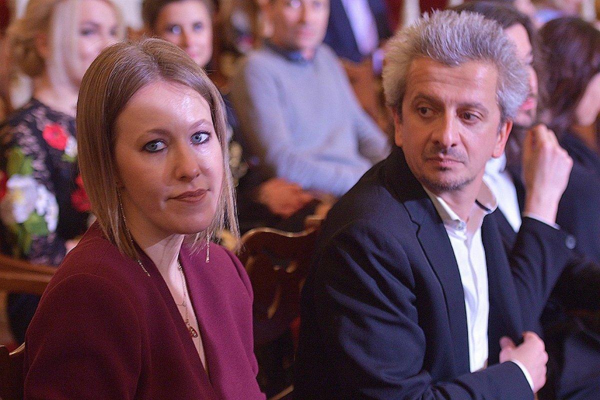 Стало известно, сколько заработали Ксения Собчак и Константин Богомолов в период пандемии