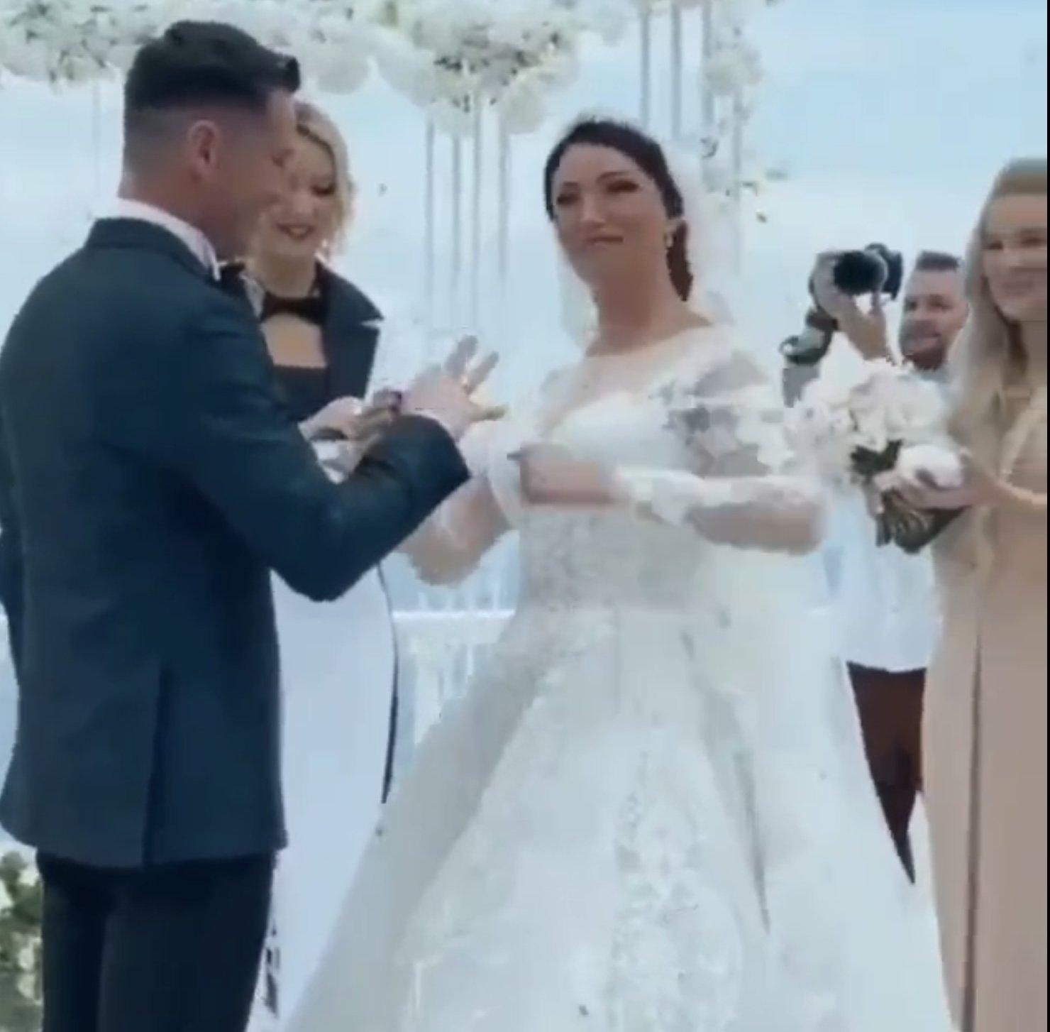 «Недобрый знак»: Анастасия Макеева силой натянула обручальное кольцо на палец Романа Малькова