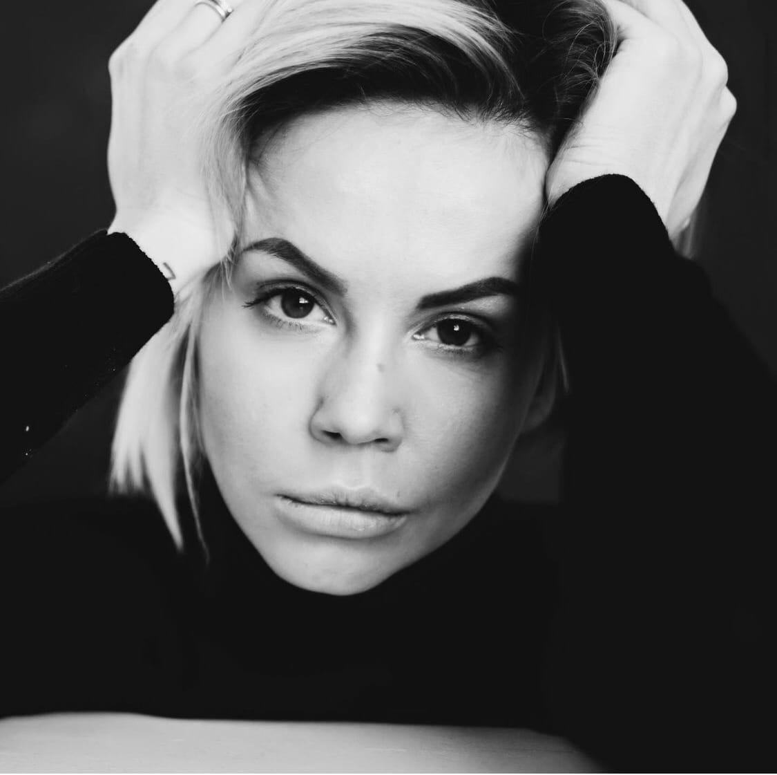 Натали Неведрова сообщила, что развелась с мужем