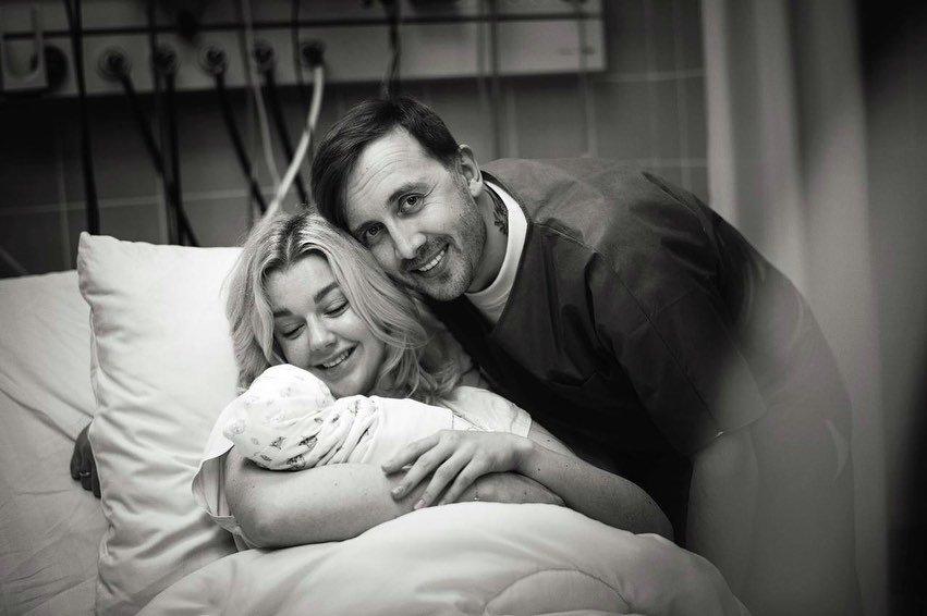 Юлианна Караулова показала, как выглядела сразу после родов