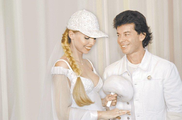 Чем Олег Газманов неприятно удивил свою жену в ЗАГСе