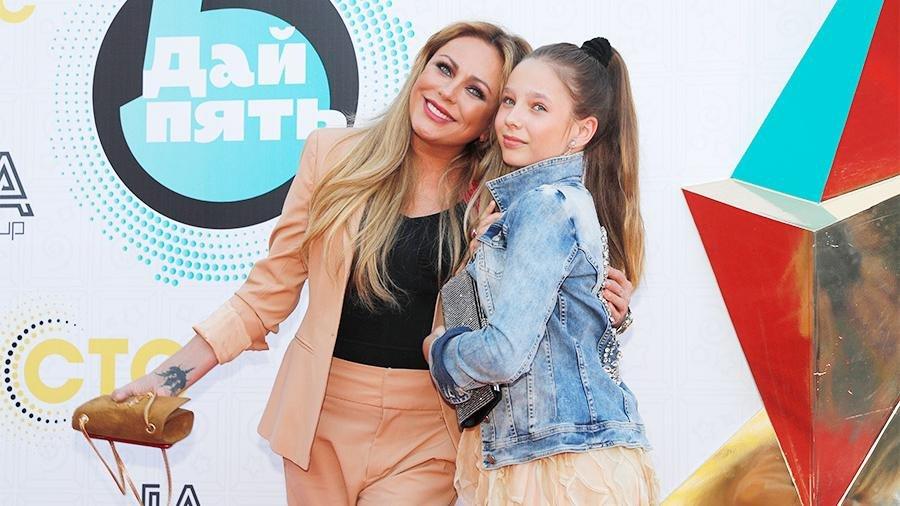«Мама гордится»: дочь Юлии Началовой стала победителем престижного музыкального конкурса