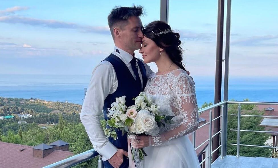 Бышая жена Романа Малькова заявила, что на неё напала Анастасия Макеева