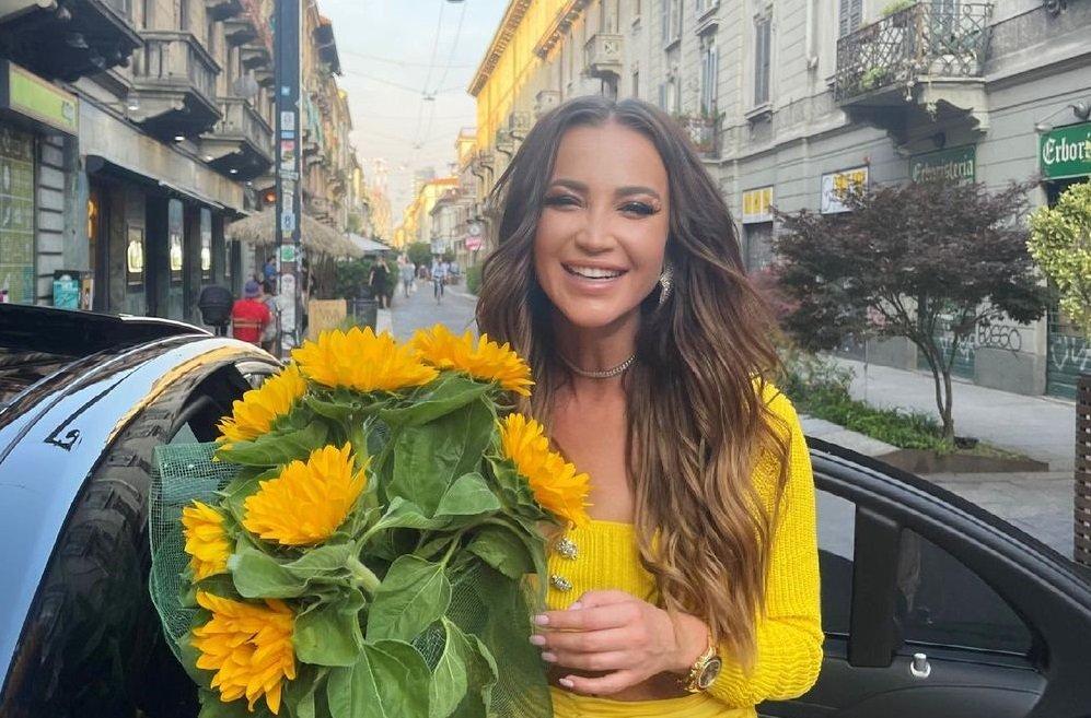 В Сети обсудили наряд Ольги Бузовой, в котором она гуляет по Милану