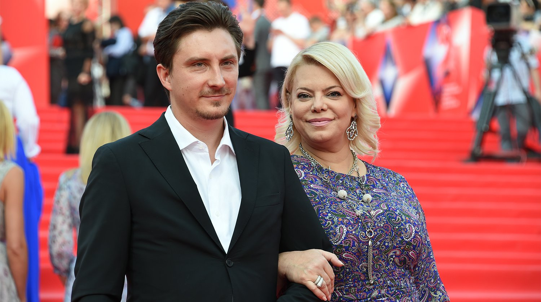 Яна Поплавская обещала выйти замуж в этом году