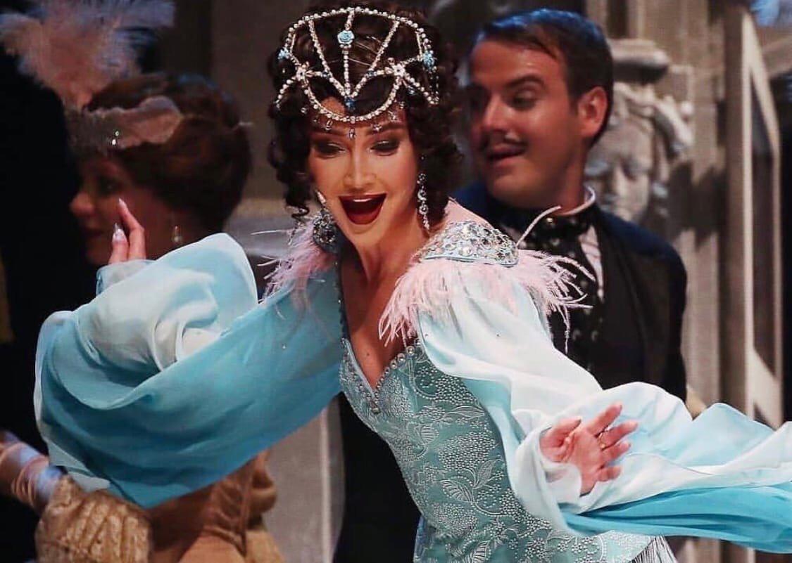 Как Анастасия Макеева прокомментировала появление Ольги Бузовой в театре