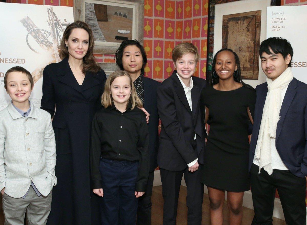 Трое детей Брэда Питта и Анджелины Джоли хотели дать показания в суде против отца