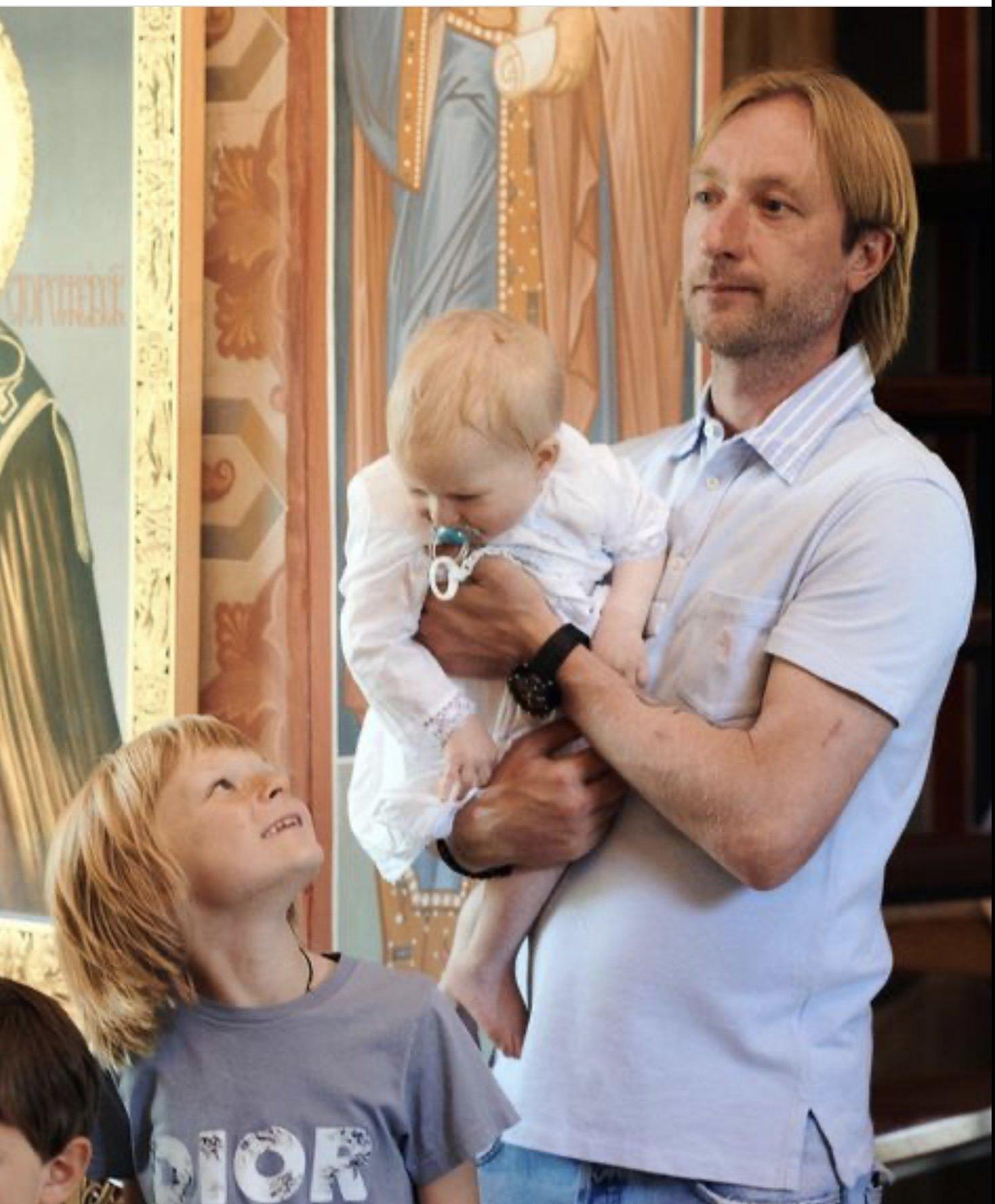 Как прошло крещение младшего сына Яны Рудковской: фото