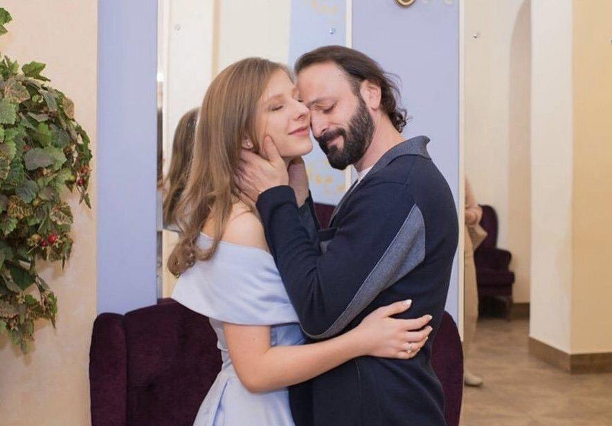 Озвучен пол будущего ребёнка Лизы Арзамасовой и Ильи Авербуха