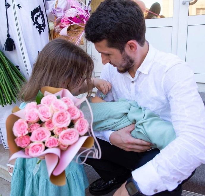 «Вот и встретились»: дагестанский певец Апанди стал дважды отцом