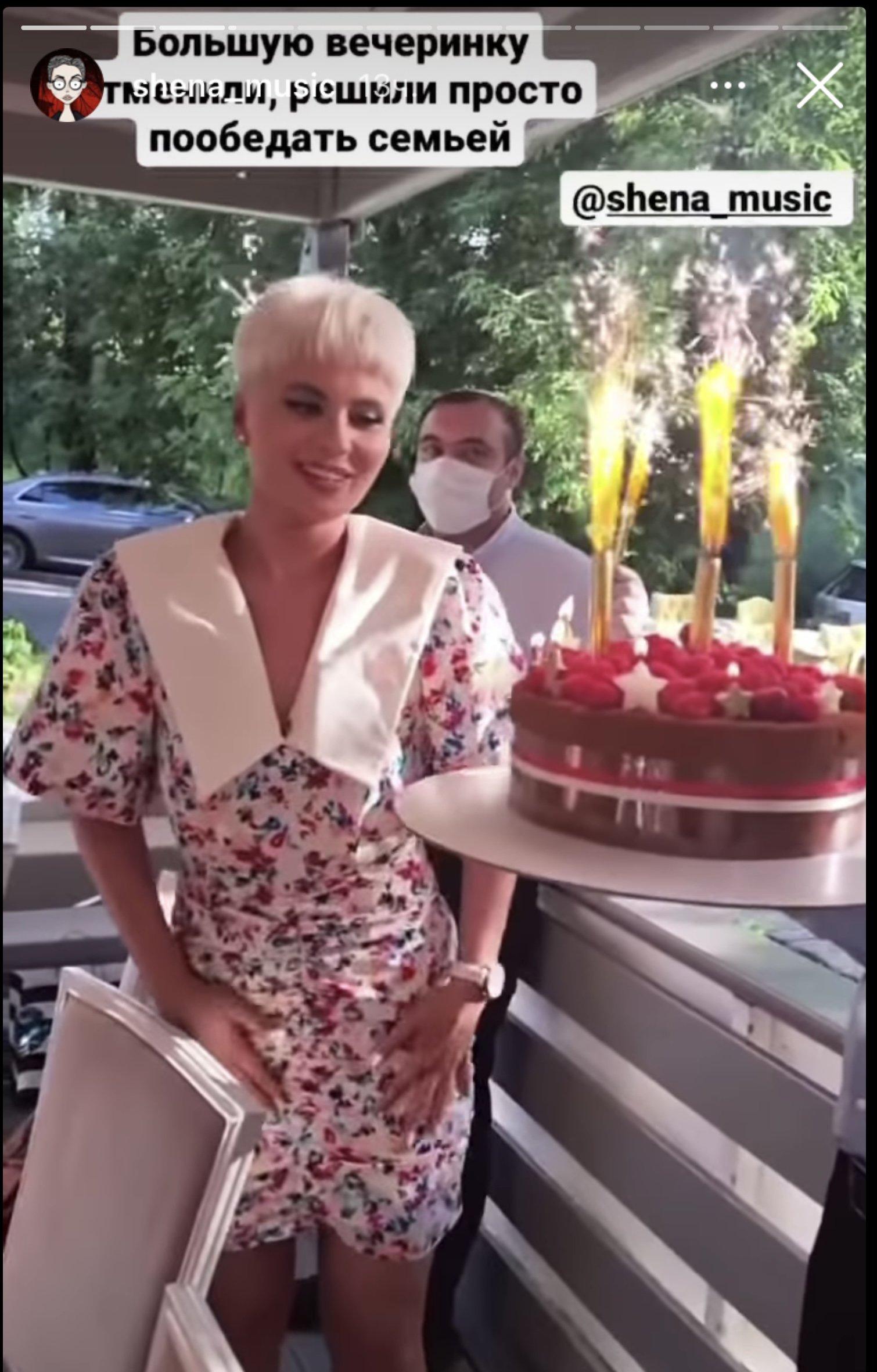 Певица Валерия погуляла на дне рождения дочери Шены