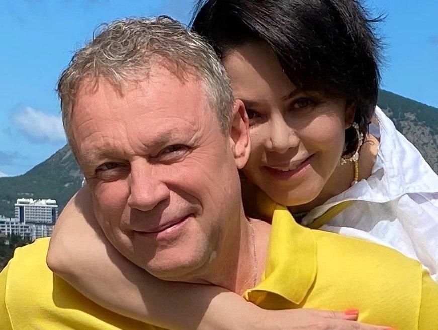 Актёр Сергей Жигунов с женой срочно покинули Крым