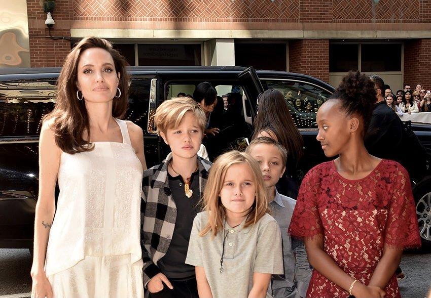 Дочь Анджелины Джоли перенесла операцию и столкнулась с проблемой