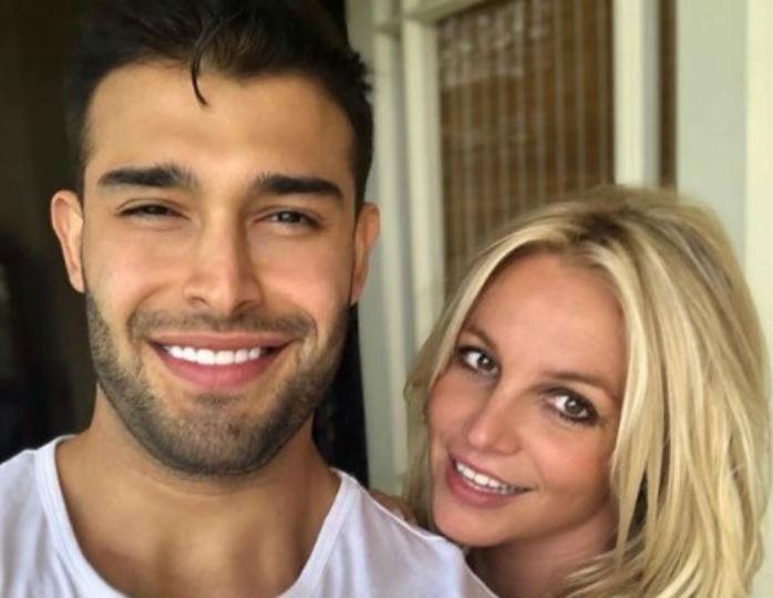 В Сети появились слухи о помолвке Бритни Спирс с молодым бойфрендом