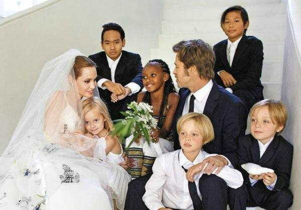 Анджелина Джоли добилась отстранения судьи, который вынес решение о совместной опеке над детьми