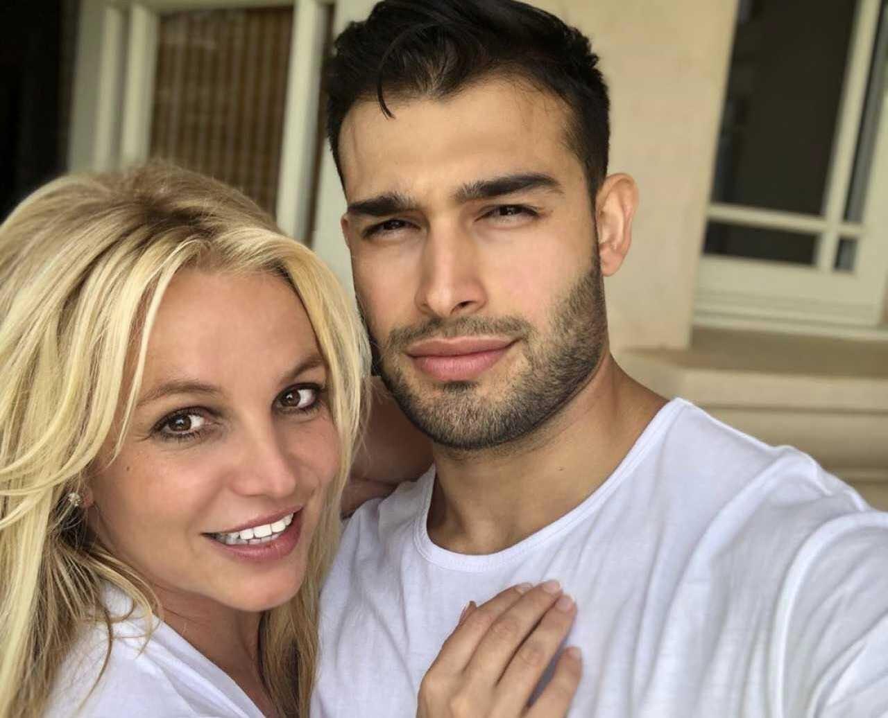 Как Сэм Асгари прокомментировал слухи о его помолвке с Бритни Спирс