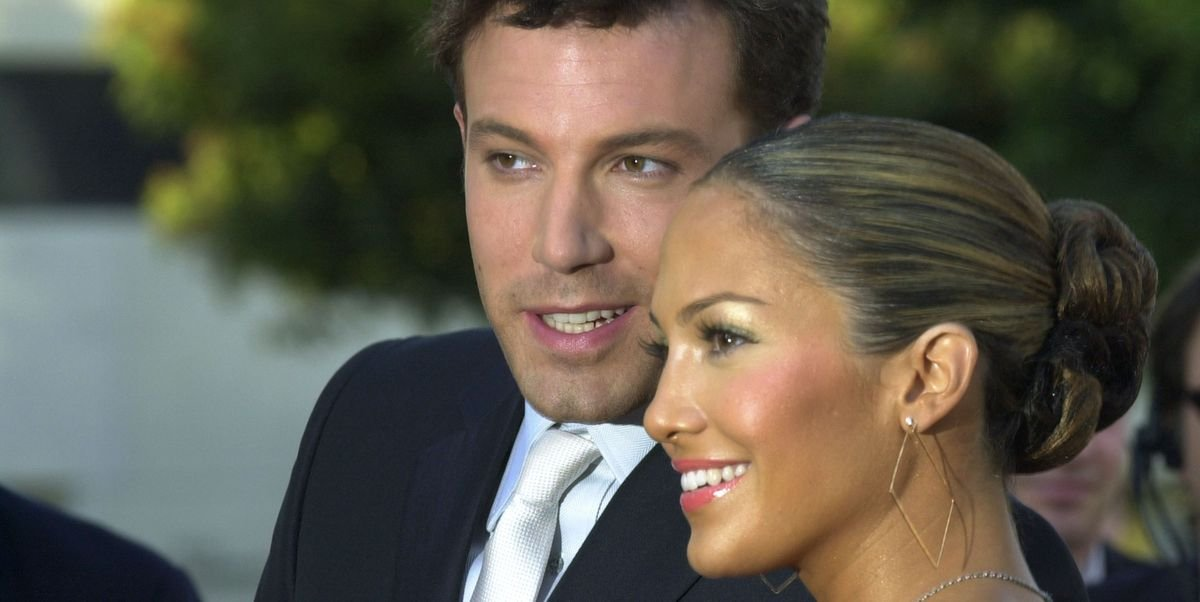 Дженнифер Лопес впервые выложила фото с Беном Аффлеком - в кадре поцелуй пары