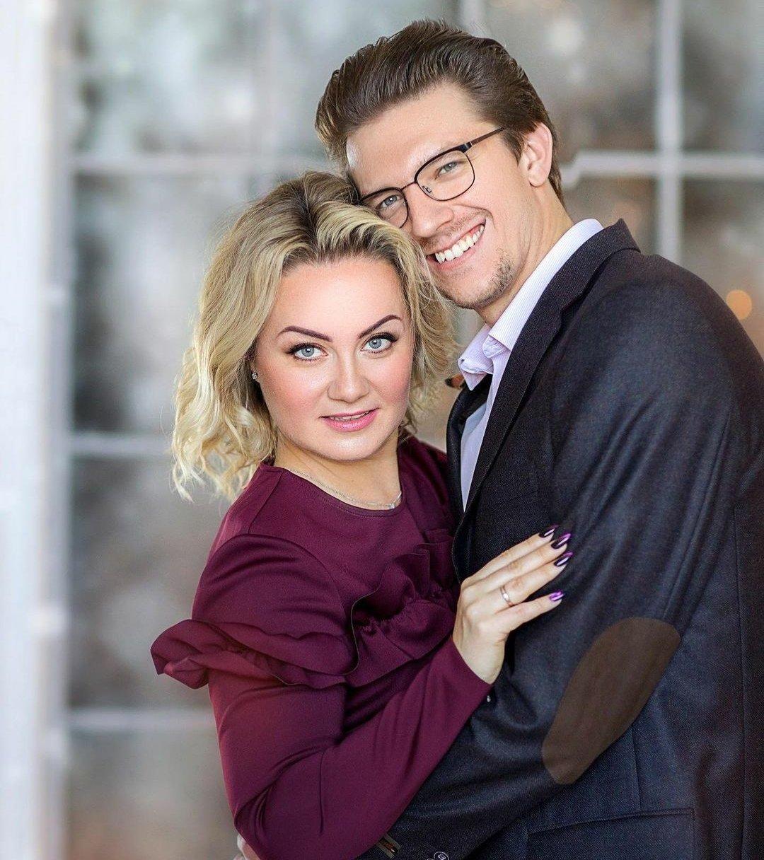 Что 18-летнюю Катю Адушкину не устраивает в поведении беременной мамы?