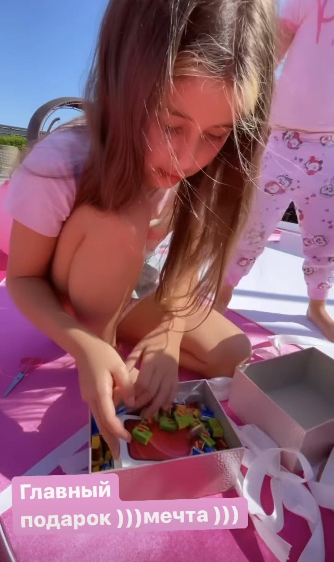 В вопросе воспитания детей Оксана Самойлова и Джиган оказались строгими родителями