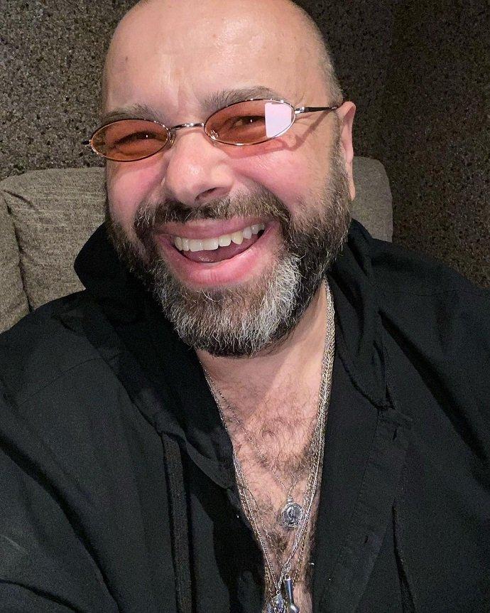 Максим Фадеев продал права на музыку Глюкозы