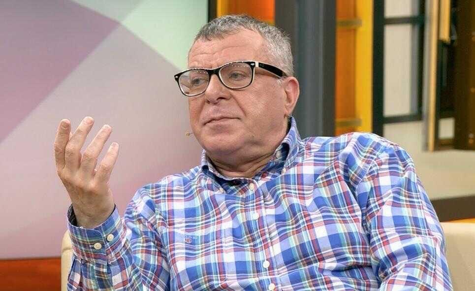 64-летний Андрей Ургант признался, за что его бросила молодая жена