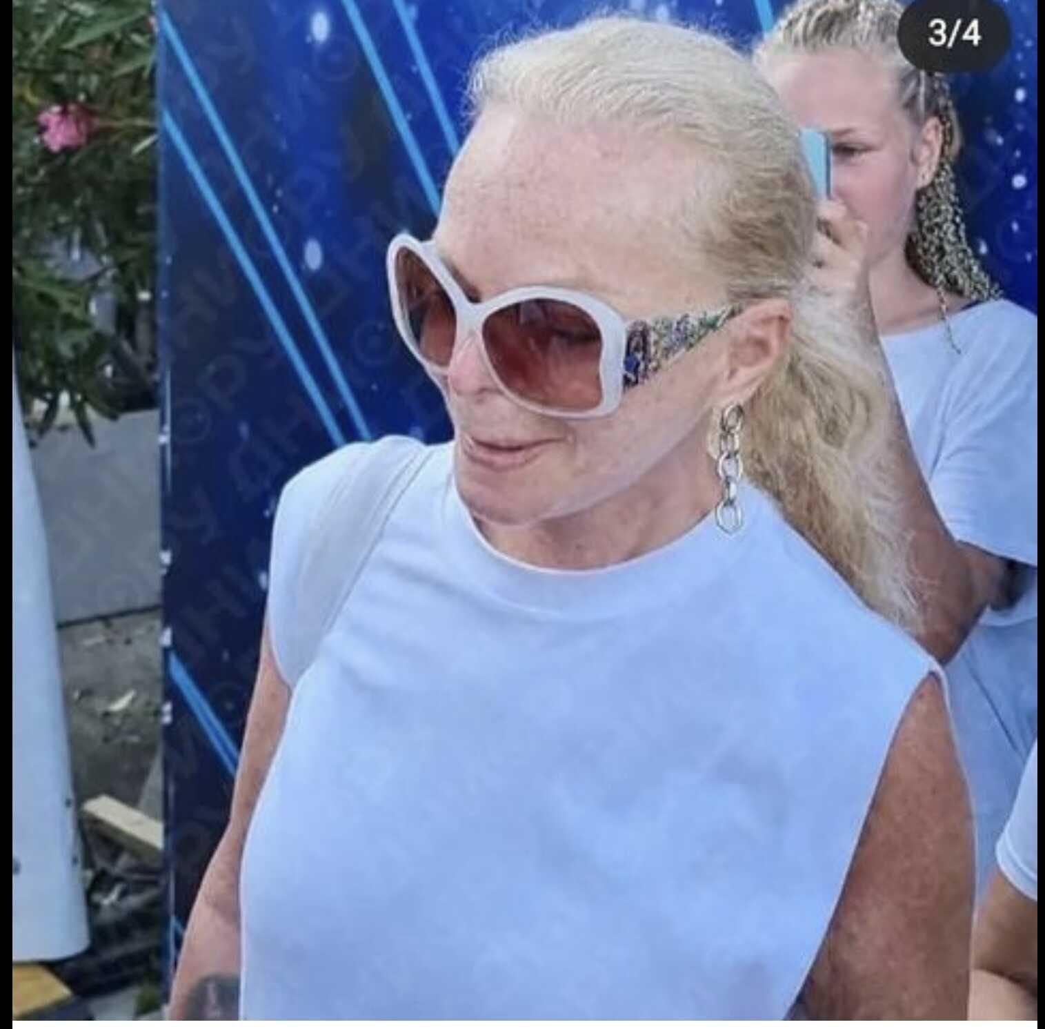 Лариса Долина напугала жителей Сочи своим видом без макияжа
