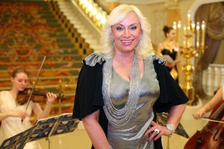 Наталья Гулькина заявила о продажности шоу-бизнеса, подставив Манижу, Аллу Пугачеву и Иосифа Кобзона