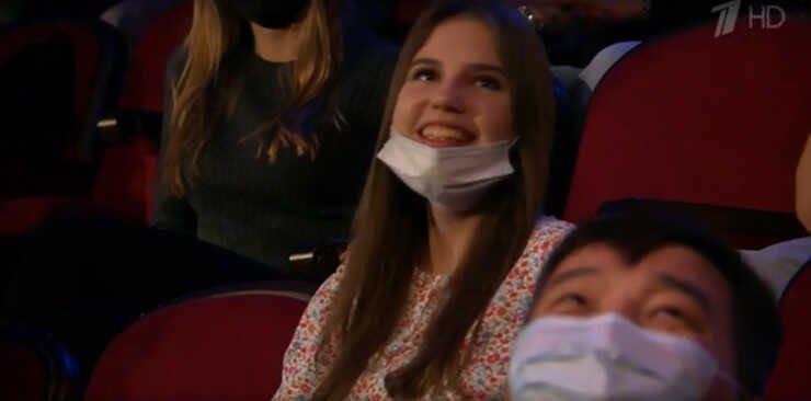 13-летний сын Полины Гагариной пришёл на телешоу со своей девушкой