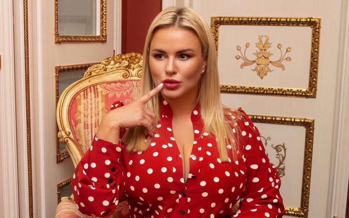 Анна Семенович сообщила, что заморозила свои яйцеклетки