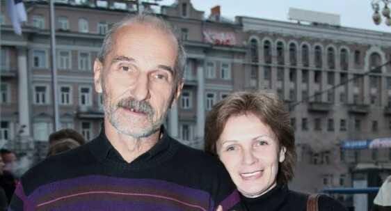 """""""Мы жили трудно"""": вдова Петра Мамонова распродает его вещи"""