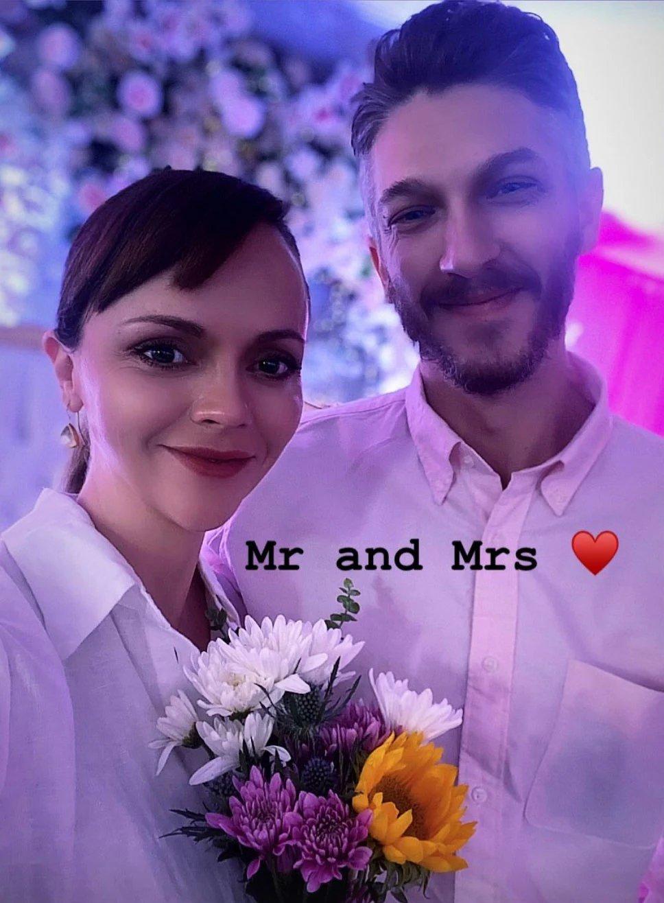 Беременная Кристина Риччи вышла замуж
